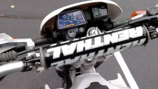 9. 2001 Yamaha XT225
