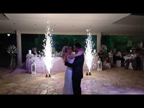 Χορός ζευγαριού στο Κτήμα Διαμαντή