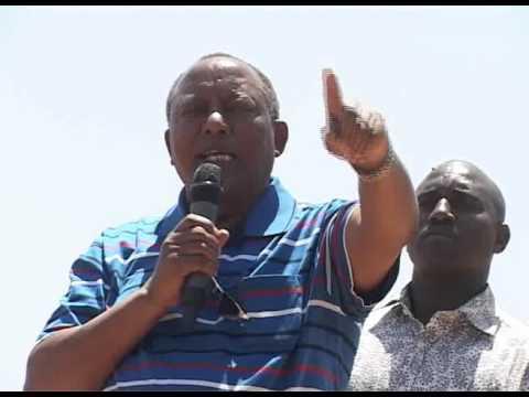 Waziri kuu Mstaafu, Fredick Sumaye akimnadi , Mhe. Edward Lowassa