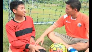 Download Video IDOLA BOLA Eps. 3 - JAGOAN TIM ORANGE ISMED SOFYAN MP3 3GP MP4