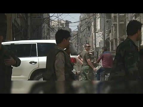 Giftgasermittler der OPCW nehmen Proben in Duma