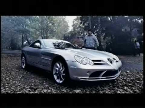 Auto Werbung: Mercedes-Benz SLR - Achtung das ist keine Optische Täuschung. Den Benz Gibt es wirklich. Der Jogger in dieser Werbung kann es auch kaum glauben, dass es...