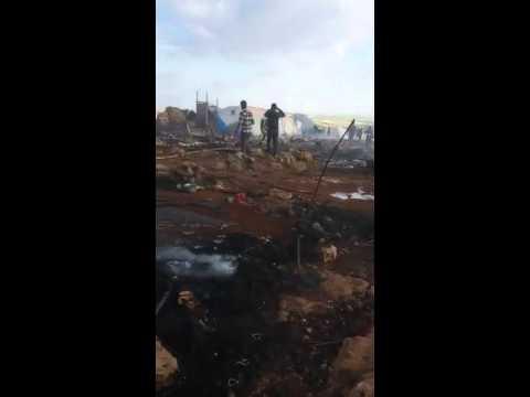 Video - Δεκάδες πρόσφυγες νεκροί από βομβαρδισμό σε καταυλισμό προσφύγων στη Συρία