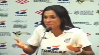 Melhor jogadora todos dos tempos, Marta foi apresentada pelo Santos FC nesta quinta-feira (15), para um contrato de dois...