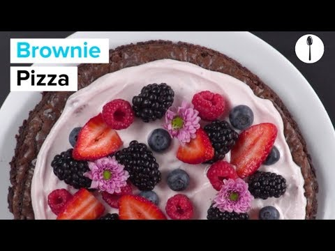 Brownie Pizza With Edible Flowers and Fruit
