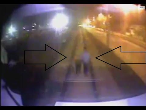 Video Sakarya'da tren rayında el ele ölüme giden gençlerin şok görüntüsü download in MP3, 3GP, MP4, WEBM, AVI, FLV January 2017