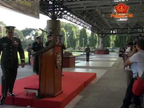 Bintang Kehormatan PLOH Untuk Panglima TNI
