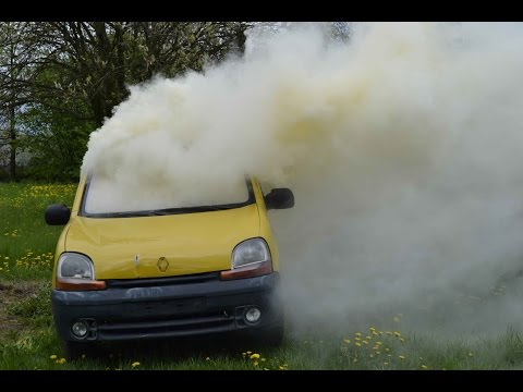Rychvald - Požár osobního automobilu - ukázka hašení