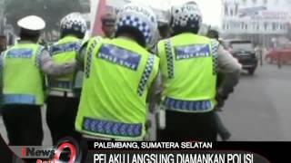 Video Pelaku Tabrak Lari Menjadi Bulan-Bulanan Warga Saat Mencoba Kabur Di Palembang - iNews Pagi 09/10 MP3, 3GP, MP4, WEBM, AVI, FLV Oktober 2017