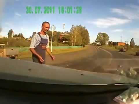 Scary car accident caught on video