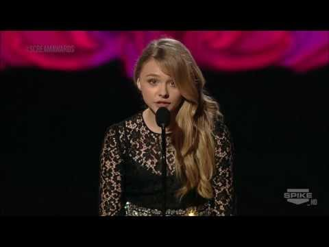 Scream Awards - Chlo Moretz presenting the 