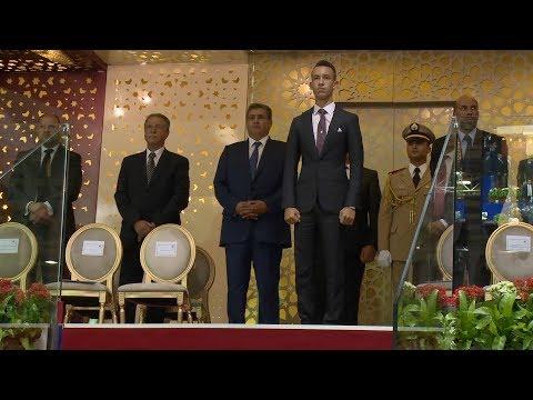 صاحب السمو الملكي ولي العهد الأمير مولاي الحسن يسلم الجائزة الكبرى لصاحب الجلالة الملك محمد السادس للقفز على الحواجز