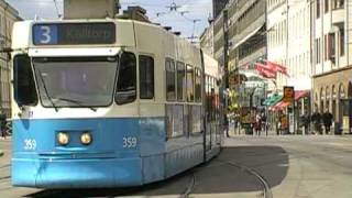 some heavy city bus and tram traffic near central station in Gothenburg, southern Sweden. normal dichter Bus- und ...