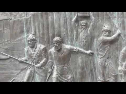 Pamiatnik-stela «Gorod voinskoj slavy» (Velikij Novgorod) i eyo skulpturnye barelefy