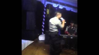 Polisi menyanyikan lagu dangdut koplo Gadis malaysia