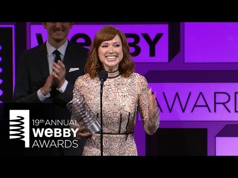 Zach Woods Presents Ellie Kemper with Best Actress at The 19th Annual Webby Awards