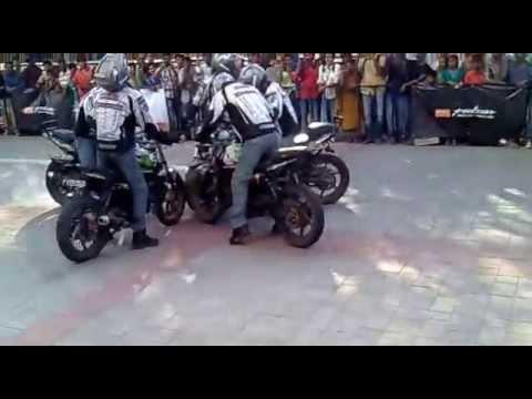 Video Chennai Pulsar Mania download in MP3, 3GP, MP4, WEBM, AVI, FLV January 2017