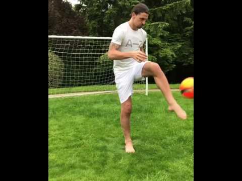 Miracolo: Ibrahimovic e Pepito palleggiano!