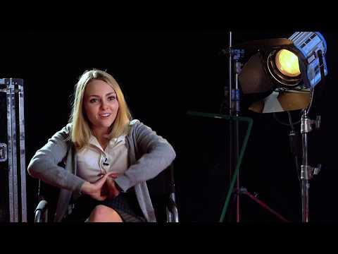 Down A Dark Hall interview AnnaSophia Robb