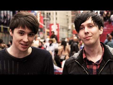 new york - We explore the big apple :D Thanks to Fuse for inviting us! Check out the videos we made with them: Fall Out Boy: http://www.youtube.com/watch?v=-UkLXH-R69k ...
