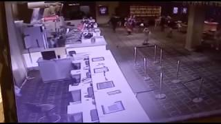 "Video ""NGERI"" Rekaman cctv di mall XXI lombok saat gempa lombok MP3, 3GP, MP4, WEBM, AVI, FLV Desember 2018"
