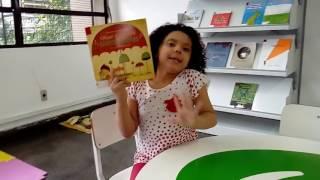 """Vídeo: Prosinhas Literárias - Laís fala sobre o livro """"O menino que Colecionava Guarda-chuvas&q"""