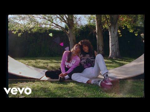 Aitana, Alvaro Diaz, Pole. - – (MENOS) (Lyric Video)