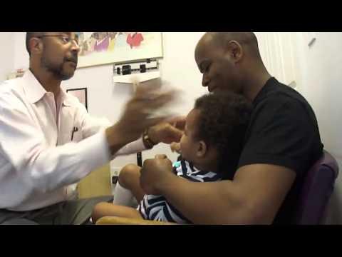 Aυτός είναι ο ιδανικός παιδίατρος! (video)