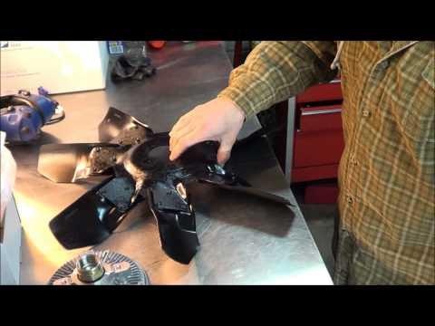 12-28-13 Fan clutch replacement how to 95 Dodge Ram 6BT Cummins Turbo Diesel