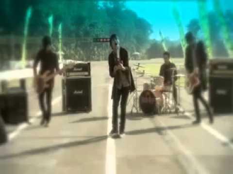 Roof Band - Kenyataan hati ( official Clip ).mp4