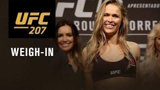 Video UFC 207: Official Weigh-in MP3, 3GP, MP4, WEBM, AVI, FLV September 2018