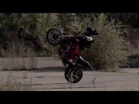 moto drifting - romain jeandrot acrobazie assurde