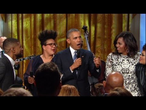 President Obama sings at Ray Charles tribute event