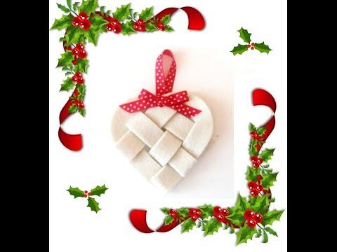 fantastica decorazione natalizia in feltro a forma di cuore!