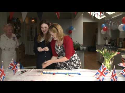 Queen's Diamond Jubilee: How to make Jubilee royal crowns – Video