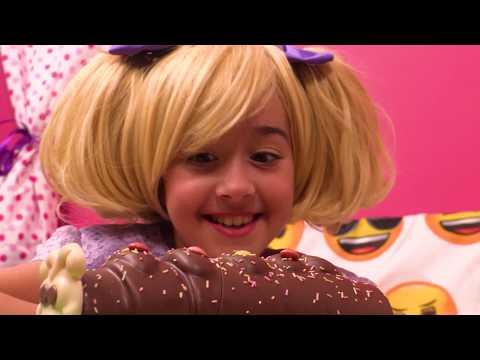 Esme's Cake Calamity ⭐ 1-Hour Compilation ⭐ Princesses In Real Life | Kiddyzuzaa - WildBrain