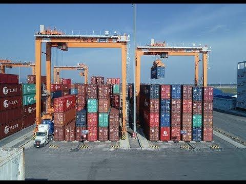 Kinh tế vùng trọng điểm nhìn từ hệ thống cảng biển