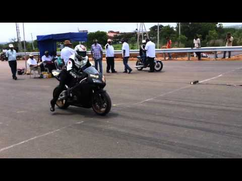 Honda cbr 1000rr vs RX 135 HD