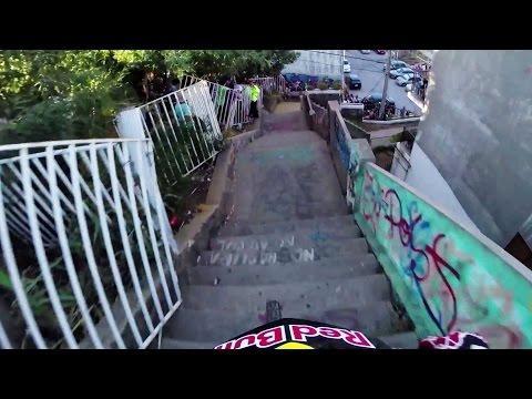 Insane Urban DH Mountain Bike POV - Red Bull Valparaiso Cerro Abajo 2015 (видео)