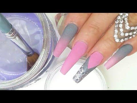 Videos de uñas - Uñas Acrílicas Diseño con Efecto Ombre en Gris y Rosa más efecto Navaja muy Elegantes