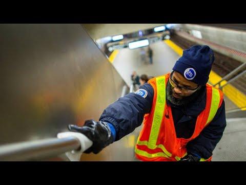 Kampf gegen Coronavirus: New Yorker U-Bahn wird desinf ...