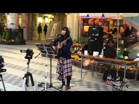 Amateur singer of young lady Japanese (видео)