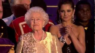 The final 15 minutes of The Queen's Diamond Jubilee Concert outside Buckingham Palace London on 4th June 2012. Includes all the performers and Her Majesty The Queen on stage, the speech of The Prince of Wales (Prince Charles) and the closing fireworks. All in glorious high definition.