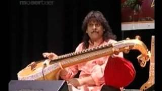 Rajhesh Vaidhya - Rag: Chakravaagam And SudhaDanyasi - Veena Live