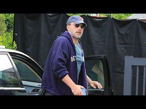 Ben Affleck Needs Paparazzi Rehab