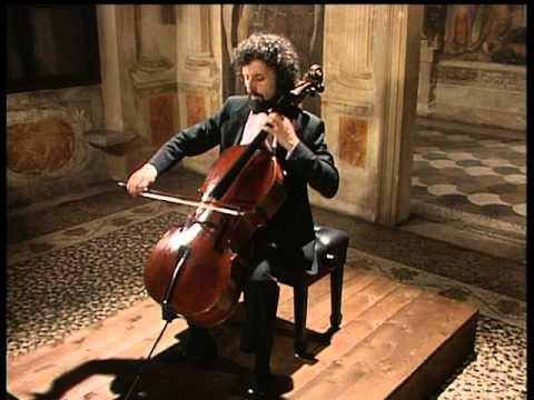 Cello - 1. Prelude - 0:00 2. Allermande - 2:45 3. Courante - 7:09 4. Sarabande - 9:47 5. Menuet I / II - 13:41 6. Gigue - 17:38 Unitel 1993.