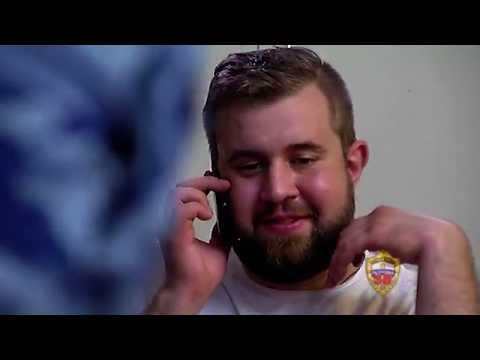 Видео ударивший журналиста в День ВДВ попытался напасть на оператора  РЕН ТВ
