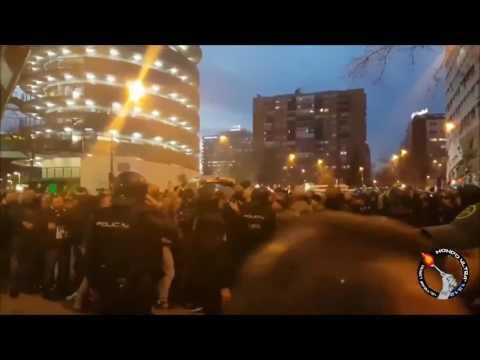 Tutta la giornata degli Ultras Napoletani presenti a Madrid. Una vera e propria invasione nella città Spagnola!
