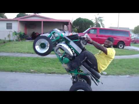 SNAP WHEELSTANDING A BANSHEE IN SLOW MOTION!! MUST SEE!! LIVE FOOTTAAGGEE!!
