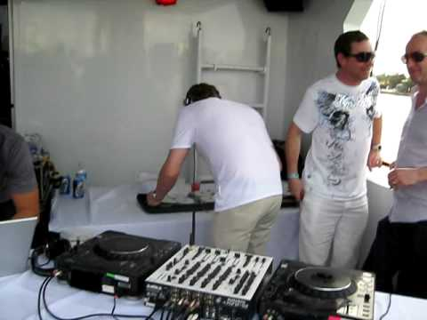 Sasha & John Digweed   WMC 2009 Yacht Party download